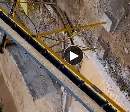 西双版纳日产1000吨manbetx官网电脑版砂岩制砂生产线现场三